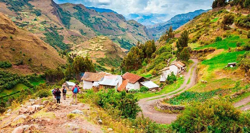 El Parque Nacional Huascarán se encuentra en las montañas tropicales de la Cordillera Blanca, en el oeste de Perú.