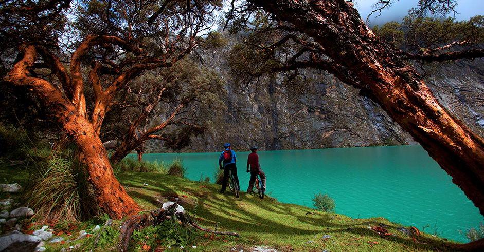 Resultado de imagen para Laguna de Llanganuco